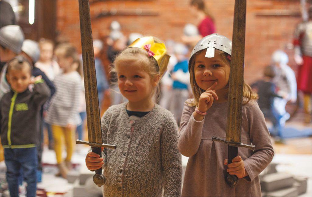 dzieci biorące udział w zajęciach