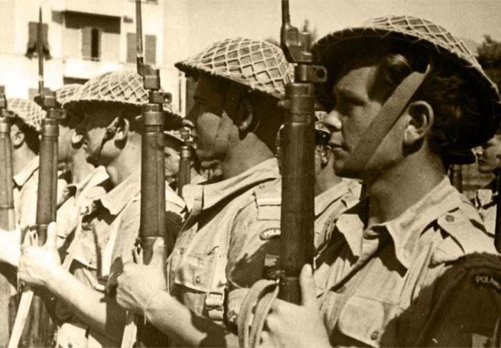 Na zdjęciu: Kompania honorowa 2. Korpusu podczas uroczystości wojskowych, Włochy, 1946 r. Fotografia ze zbiorów Muzeum Wojska w Białymstoku, nr. inw. MWB/D/5166