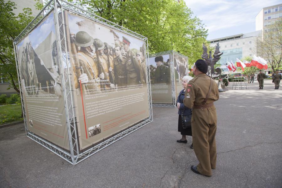 Zdjęcia z wystawy plenerowej
